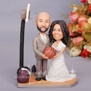 basketball couple wedding cake topper basketball cake topper with groom and holding a 11101